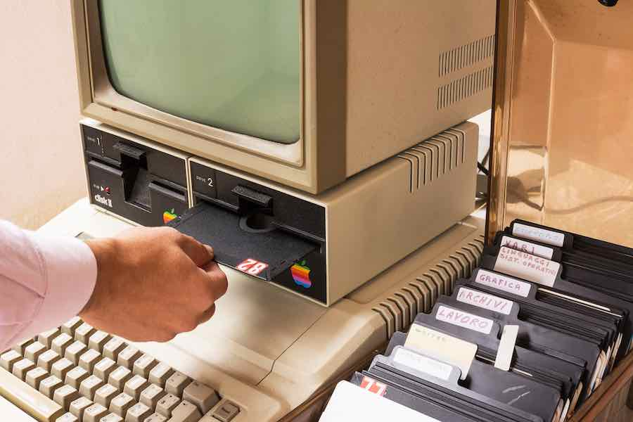 Apple 2 Computer and Games